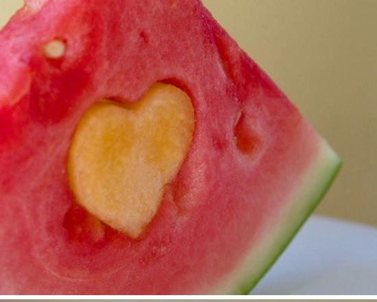 Valentijnstractatie met fruit